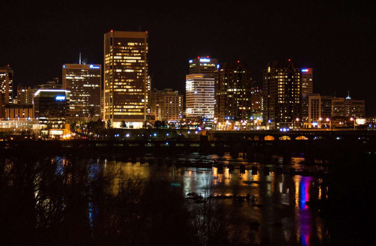 City@Night 001 - Adam Shurte – Neon Dystopia