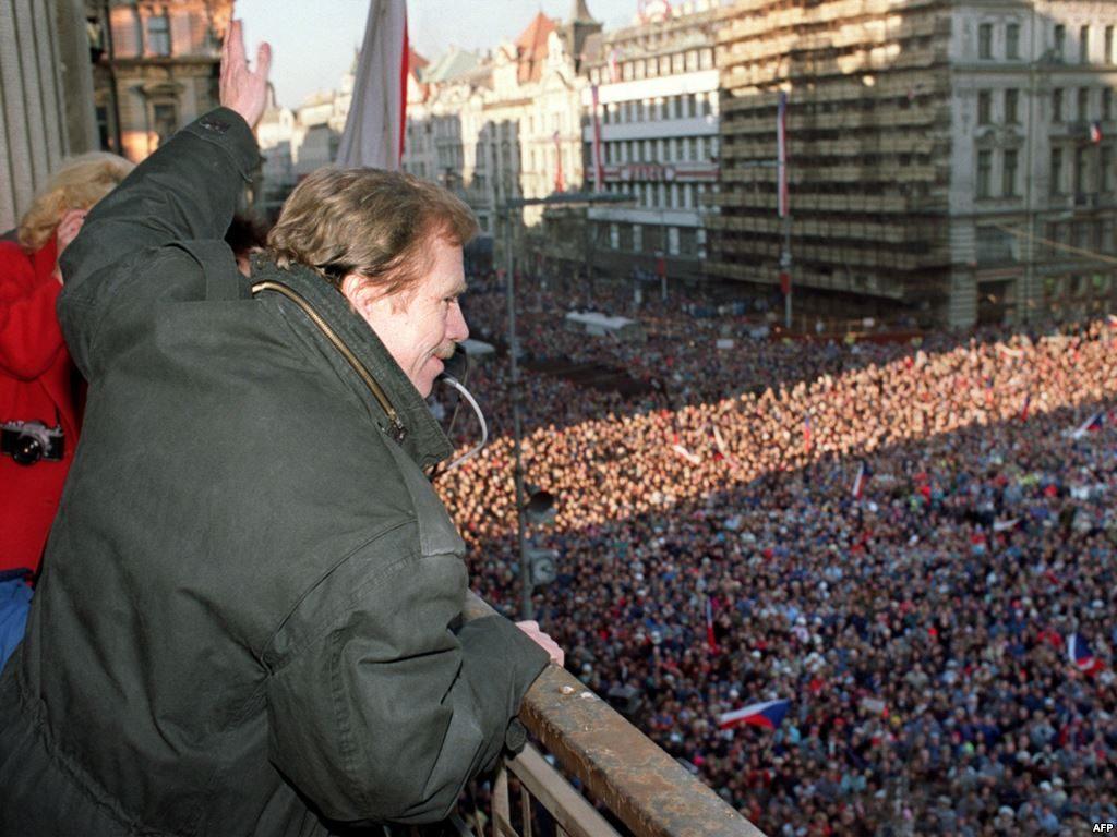 Havel addresses supporters after the Velvet Revolution (December 19, 1989)