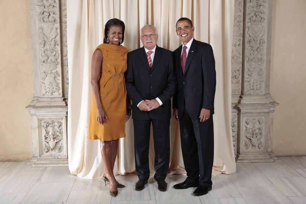President Vaclav Klaus (Center) meeting with First Lady Michelle Obama (Left) and President Barrack Obama (Right).