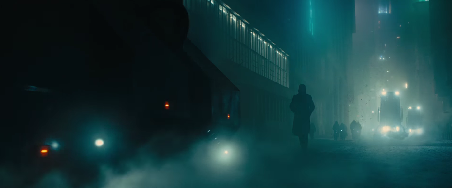 Neon Dystopia Reacts to the Blade Runner 2049 Trailer ... Ryan Gosling Movies